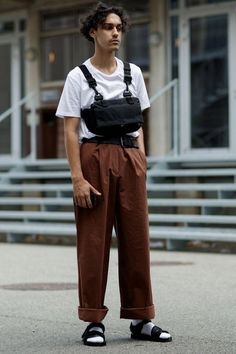 Copenhagen Street Style: All About the Accessories – Men's style, accessories, mens fashion trends 2020 Street Style Trends, Casual Street Style, Mens Style Guide, Men Style Tips, Street Outfit, Street Wear, Mens Dressing Styles Casual, Korean Fashion, Mens Fashion