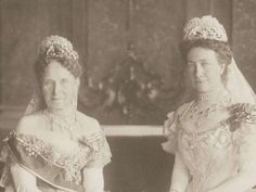 On the left, Grand Duchess Louise of Baden, nee Prussia, wearing the Baden Palmette tiara, on the right, her daughter Victoria, Queen of Sweden, wearing the Baden fringe tiara, 1906. Louise wed Grand Duke Frederick I of Baden on 20 September 1956.