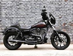 #cse @haolei777 - #dynaclubstyle #harleydavidson #lowrider #dyna #clubstyle #motorcycle #redthunderexhaust #bmcmotorcyclecompany #rolandsandsdesign #motor #bike #hardcaseperformance #fxdl #dynamiccustoms #dynamitecrew #dynamite_crew #supportdynamitecrew