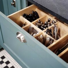 A drawer outfitted for upright flatware storage; see more at Drawer Divider Roundup. Kitchen Storage Solutions, Kitchen Organization, Organized Kitchen, Storage Organization, Kitchen Organizers, Organizing Kitchen Utensils, Big Family Organization, Flatware Storage, Silverware Organizer