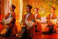 Ujgurok és a magyarok, TestVérNép! | Szkíta-Hun-Magyar a MAG NÉPe! Name Inspiration, Central Asia, Ethnic Fashion, Folklore, Marvel, History, Painting, Dancers, Muslim