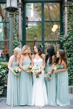 NYC Summer Garden Wedding in Bryant Park - Style Me Pretty