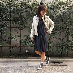 3月16日 OA  テレビ朝日『グッド!モーニング』太田景子さん着用情報 フロントファスナーが縦ラインを強調。ポケットのファスナーも見えにくい仕様ですっきりとした印象に。