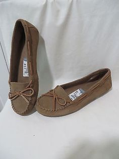 MINNETONKA LEATHER MOCCASINS FLATS or SLIPPERS 69731 Women's 9 NEW without box