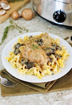 Slow Cooker Chicken Stroganoff Image ~ With a few simple ingredients & a few hours in the crockpot, this deliciously creamy dish is ready for your family to enjoy! It may just become your new favorite weeknight meal. Slow Cooker Chicken Dishes, Slow Cooker Chicken Stroganoff, Crock Pot Slow Cooker, Crock Pot Cooking, Slow Cooker Recipes, Crockpot Recipes, Chicken Recipes, Cooking Recipes, Beef Stroganoff