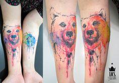 Rodrigo Tas cria aquarelas, personagens, letras e cores fantásticas na pele