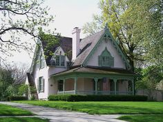 Attractive Carpenter Gothic house in Perry'sburg, Ohio. Fancy Houses, Big Houses, Dream Houses, Tudor House, Gothic House, Perrysburg Ohio, Colonial, Art Nouveau, Second Empire