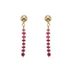 These simple, yet sparkling 14K gold filled earrings feature a thin bar of gorgeous ruby-coloured Cubic Zirconia combined with gold beads, giving your outfit a bright colour accent.