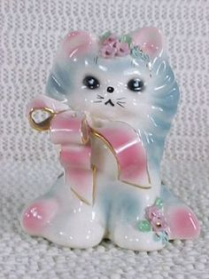 I bought this Josef kitty for my daughter, Chantelle... she loves kitties! ♥