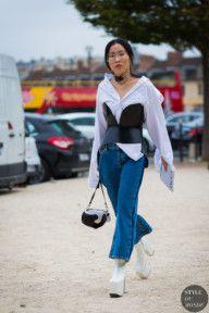 STYLE DU MONDE / Paris SS 2017 Street Style: Before Loewe  // #Fashion, #FashionBlog, #FashionBlogger, #Ootd, #OutfitOfTheDay, #StreetStyle, #Style