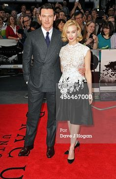 Fotografia de notícias : Luke Evans and Sarah Gadon attend the UK premiere...