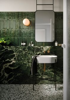 Bad Inspiration, Bathroom Inspiration, Interior Inspiration, Modern Bathroom, Small Bathroom, Green Marble Bathroom, Green Bathrooms, Colourful Bathroom Tiles, Master Bathroom
