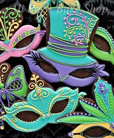 I like Mardi Gras. Granted, yes, I've never actually been to Mardi Gras. Fancy Cookies, Iced Cookies, Cute Cookies, Royal Icing Cookies, Holiday Cookies, Cupcake Cookies, Sugar Cookies, Mini Cookies, Cookie Frosting
