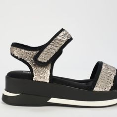 Ref: Agora 04 - Plata Sporty Chic, Wedges, Shoes, Fashion, Latest Trends, Slippers, Totes, Women, Moda