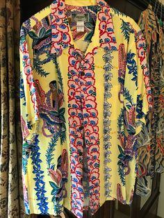 Vintage Hawaiian Shirts, Mens Hawaiian Shirts, I Love Fashion, Spring Fashion, Men's Fashion, Nice Shirts, Fashion Graphic Design, Aloha Shirt, Gentleman Style