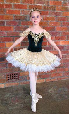 Brinley C in her new tutu 2013 Dance Costumes Ballet, Tutu Ballet, Ballerina Costume, Ballet Poses, Tutu Costumes, Doll Costume, Scarecrow Costume, Little Girl Dresses, Girls Dresses