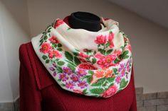 Vintage shawl.Floral shawl.Russian scarf by StyleVintageShop