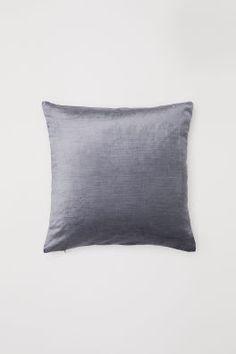 Velvet Cushion Cover - Gray - Home All Velvet Cushions, Seat Cushions, Bed Pillows, Cushion Covers, Pillow Covers, Floor To Ceiling Bookshelves, H & M Home, Hotel Room Design, Cover Gray