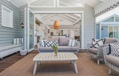 Most people take home staging simply as decorating, is that true? No, staging a home is to increase the sales value while decorating is for making a hom. How is home staging different from decorating? Die Hamptons, Hamptons Style Homes, Home Staging, Outdoor Rooms, Outdoor Decor, Indoor Outdoor, Interior Styling, Interior Design, Inside Design