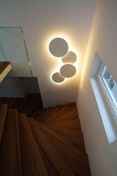 Vibia Wandleuchten Leuchte Puck Wall Art – Diy Home Modern House Design, Modern Interior Design, Modern Decor, Ceiling Design, Lamp Design, Home Lighting, Lighting Design, Kids Lighting, Luminaire Mural