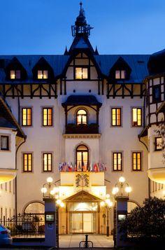 Chateau Monty Spa resort   Hotel Monty Mariánské Lázně Resort Spa, Hotels And Resorts, Mansions, House Styles, Travel, Viajes, Villas, Trips, Palaces