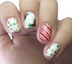 88 Awesome Christmas Nail Art Design Ideas 2017 - Do you want to quickly get catchy nails for Christmas? Curious about the hottest Christmas nail art design ideas that are presented for this year? Cute Christmas Nails, Christmas Nail Art Designs, Holiday Nails, Christmas Design, Xmas Nails, Green Christmas, Winter Nail Art, Winter Nails, Summer Nails
