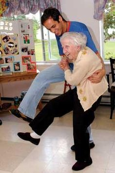 •.¸¸.☆ Gladys Powers celebrated her 107th birthday last May in British Columbia ~ and she's still dancing!.♪♫♥