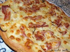 Le nostre Ricette: Pizza patate, cipolla e bacon