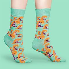 I love these wave socks! Super fun!  #socks #happysocks #waves Happy Socks, Fun Socks, Aqua Blue, Purple, Bubblegum Pink, Spring Summer 2018, Are You The One, Summertime, The Incredibles