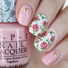Nail art Christmas - the festive spirit on the nails. Over 70 creative ideas and tutorials - My Nails Rose Nail Design, Rose Nail Art, Flower Nail Designs, Rose Nails, Best Nail Art Designs, Nail Designs Spring, Flower Nails, My Nails, Yellow Nail Art
