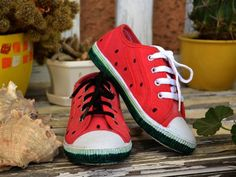 Chuck Taylor Sneakers, Chuck Taylors, Shoes, Fashion, Moda, Zapatos, Shoes Outlet, Fashion Styles, Shoe
