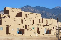 8 Unsolved Mysteries of the World... 2. Taos Hum The Taos hum came to fame in the 1990's a group of residents in the New Mexico town began to report a low-frequency hum. While the hum was named after the town of Taos, other places around the world have reported hearing similar noises in the past. As early as the 1950's there were reports of a humming or buzzing sound in several small towns in England. Results of tests have been inconclusive as to the source of the sound.