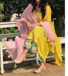 Indian kurta dress With dupatta sharara palazzoTop Tunic Set blouse Combo Ethnic Indian Attire, Indian Ethnic Wear, Indian Outfits, Indian Kurta, Kurti Designs Party Wear, Kurta Designs, Dress Designs, Pakistani Dress Design, Pakistani Dresses