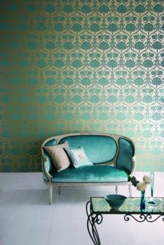 the wall, the sofa, perfect spot for my daughter and I to catch up on our days. Sala Tiffany, Tiffany Blue, Golden Wallpaper, Damask Wallpaper, Exotic Bedrooms, Tapete Gold, Contemporary Lounge, Contemporary Interior, Vintage Settee