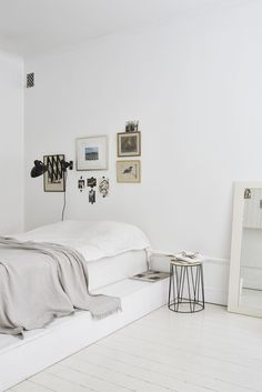 White bedroom - via