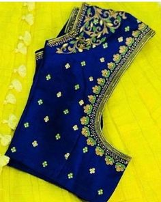 (via Navya Gogineni, Blouse designs) Wedding Saree Blouse Designs, Pattu Saree Blouse Designs, Simple Blouse Designs, Stylish Blouse Design, Fancy Blouse Designs, Blouse Neck Designs, Wedding Blouses, Hand Work Blouse Design, Designer Blouse Patterns