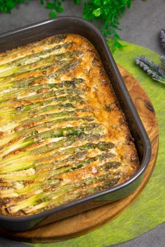 Asparagus Frittata with Minced Meat - Low C . - The asparagus frittata is low carb, gluten-free, sugar-free and super delicious! Grilling Recipes, Veggie Recipes, Low Carb Recipes, Healthy Recipes, Grilled Asparagus Recipes, Baking Recipes, Asparagus Frittata, Law Carb, Carne Picada
