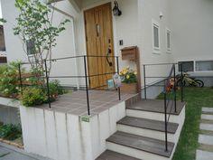 エクステリア1(門袖・手すり)   ホワイトアイアン・ホワイトガーデン アイアン工房友里 Ideal Home, My House, Deck, Iron, Exterior, House Design, Garden, Outdoor Decor, Home Decor