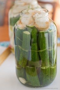 Kovászos uborka és kovászolt zöldségek Dessert, Pickles, Cucumber, Zucchini, Food And Drink, Salad, Vegetables, Drinks, Conservation