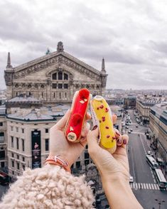 "828 To se mi líbí, 30 komentářů – Victoria Chmel (@victoriachmel) na Instagramu: ""What's your favorite eclair flavor?  Ps.: the right response to the question on the last post is…"" Photo Walk, Eclairs, Your Favorite, Ps, No Response, Victoria, This Or That Questions, Fashion, Moda"
