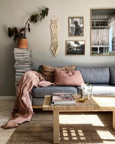 my scandinavian home: The Lovely Home of a Swedish Photographer and Stylist Chic Living Room, Home And Living, Living Room Decor, Living Spaces, Interior Design Inspiration, Home Interior Design, Scandinavian Home Interiors, Salons Cosy, 1920s House