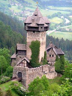 Burg Falkenstein Obervellach Kärnten Österreich, a place where I want to live!