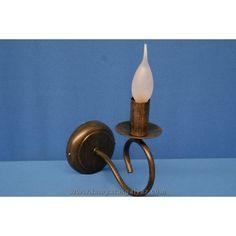 Aplique forja vela marrón. Aplique vela marrón 1L E-14 (no incluye bombilla de la foto) Medidas: 20x10x18cm. 13€.