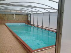 Cerramiento de piscina con perfileria de aluminio y carbonato. Tenerife