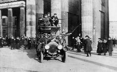 Bundesarchiv Bild 183-B0527-0001-810, Berlin, Brandenburger Tor, Novemberrevolution - Erster Weltkrieg – Wikipedia