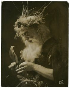 Robert B. Mantell as Lear. Baker's Art Gallery. Photograph, 19th or early 20th century.