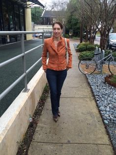 Tuesday Tip: Dress it Up I love to wear jeans, but sometimes need to look a bit more dressed up. Throw on a tweed jacket and some boots, and you are ready to go! ~ Pat #asburylanestyle #tuesdaytip