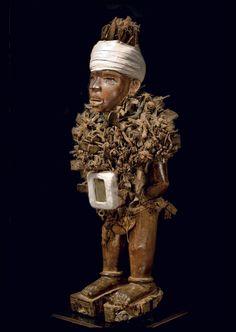 Galerie Didier Claes | Arts premiers d'Afrique noire Fétiche à clous Ngwadi Pères Blancs 1914