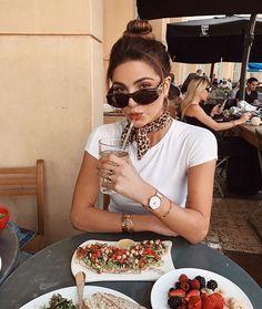 Mit Intervallfasten ohne Stress dauerhaft abnehmen You want to lose weight without stress? Europe Outfits, Paris Outfits, European Street Style, European Fashion, Look Fashion, Girl Fashion, Fashion Outfits, Outfits With Converse, Casual Outfits