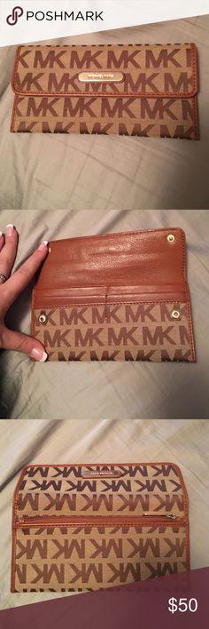 Micheal Kors Monogrammed Wallet Micheal Kors Monogram Wallet - brown leather Michael Kors Bags Wallets